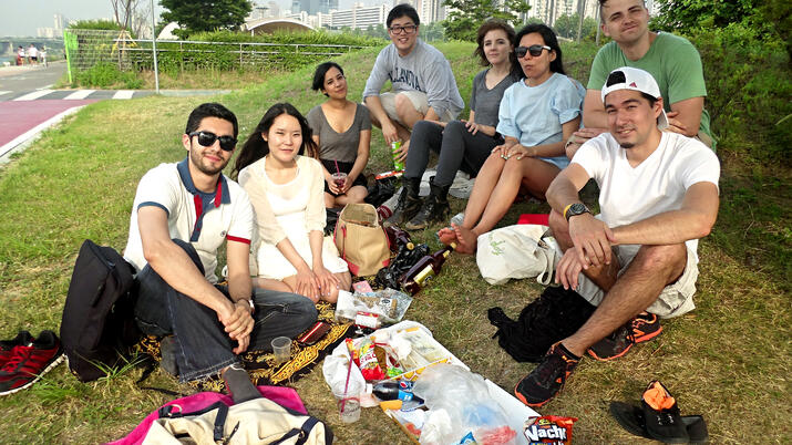 Picnic friends