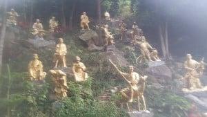 English teacher in Korea visits the Monastery of 10,000 Buddahs
