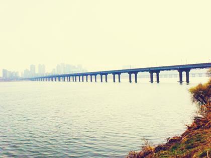 Han River and bridge