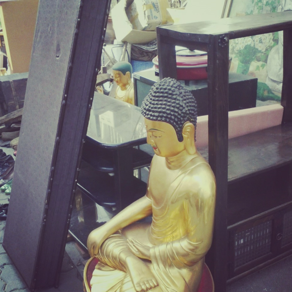 flea market buddha