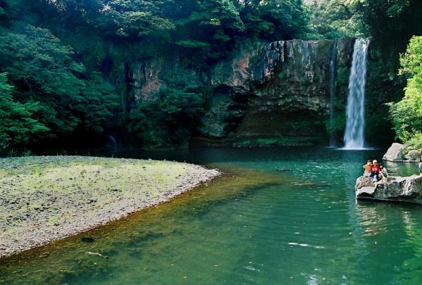 Cheonjiyeon Waterfall