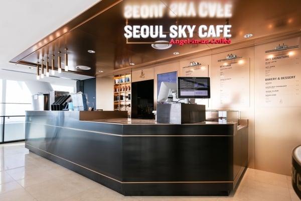LOTTE-WORLD-TOWER-SEOUL-SKY-SHOP-SKY-CAFE-by-Design-BONO