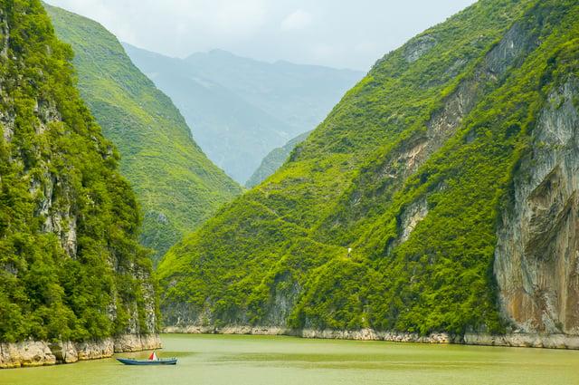Kayaking the Yangtze River