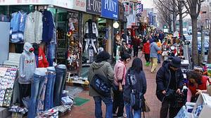 clothes shopping in Korea